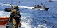زوارق الاحتلال تلاحق مراكب الصيادين في بحر غزة