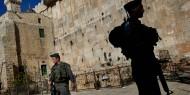 الاحتلال ينفذ أعمال تجريف مقابل الحرم الإبراهيمي