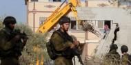 الاحتلال يجبر عائلتينمقدسيتين على هدم منزليهما