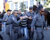 فيديو|| قوات الاحتلال تستولي على مركبة مواطن وتشن حملة اعتقالات واسعة في الضفة