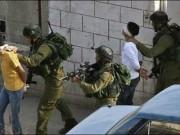 الاحتلال يعتقل فتيين قرب الحرم الإبراهيمي