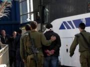 الاحتلال يعتقل شابين بالعيساوية