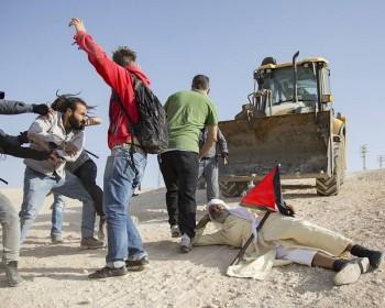 الخان الأحمر يواجه الهدم في اليوم العالمي للتضامن مع الشعب الفلسطيني