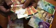 """إذاعة الاحتلال: """"بايدن"""" يطالب بعدم خصم أموال الضرائب الفلسطينية"""