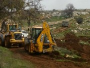 آليات الاحتلال تجرف أراضي في قرية بورين جنوب نابلس
