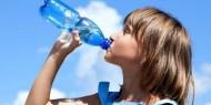 'الصحة العالمية' تحسم خطورة 'البلاستيك' في مياه الشرب
