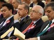 باباجان: أردوغان يقود تحولا استبداديا متزايدا في تركيا