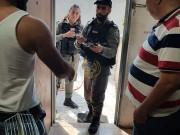قوات الاحتلال تعتقل الشاب محمد الدقاق من منزله ببلدة سلوان