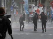 الشرطة التركية تقمع احتجاجات ضد الإطاحة بثلاثة رؤساء بلديات أكراد