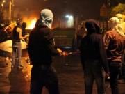 مواجهات في القدس والشبان يحرقون برج مراقبة على حاجز شعفاط