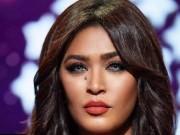 بالفيديو   مخمور يحاول اقتحام غرفة الفنانة السعودية وعد أثناء تواجدها في لندن