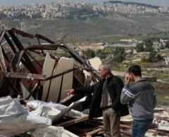 الاحتلال يهدم اسطبلا للخيول في القدس