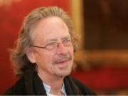 """اتحاد الكتاب العرب: عار على """"نوبل"""" منحها جائزة الآداب للمتطرف هاندكة"""