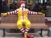 """""""ماكدونالدز"""" في ورطة بسبب وجبة دجاج"""