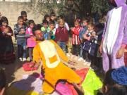فيديو| فرق شبابية تكسر الروتين اليومي للأطفال المحجورين