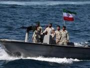 مقتل 3 أشخاص من خفر السواحل جنوبي إيران على يد زميلهم