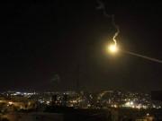 الاحتلال يطلق قنابل الإنارة شرقي خانيونس