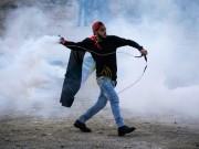 عشرات الإصابات بالاختناق خلال مواجهات مع الاحتلال في بيت أمر