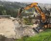 رام الله: آليات الاحتلال تهدم بيوت وحظائر لعائلة بدوية