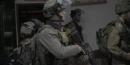 هيئة الأسرى تستنكر الإرهاب الإسرائيلي باقتحام منازل الأسرى وسرقة أموالهم