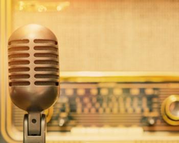 الحكومة تعفي الاذاعات المحلية من رسوم التراخيص