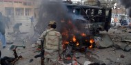 قتلى وجرحى جراء انفجار قنبلة خلال مظاهرة داعمة لجماعة متشددة غرب باكستان