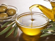 منها علاج حب الشباب.. 7 فوائد لزيت الزيتون