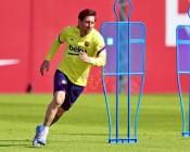 """""""سبورت"""": ميسي يغيب عن تدريبات برشلونة"""
