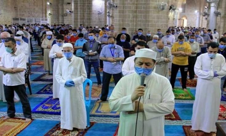 أوقاف غزة تقرر إلغاء التباعد بين المصلين في مساجد القطاع