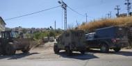 نابلس: الاحتلال يضع مكعبات إسمنتة على طريق الباذان