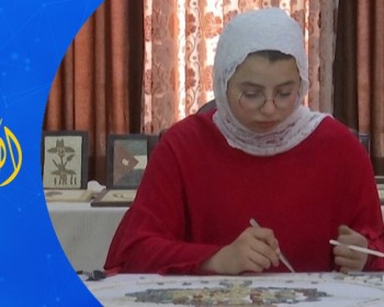 خاص بالفيديو|| راما أبو حشيش.. فنانة أردنية تبدع لوحات الفسيفساء بذراع واحدة