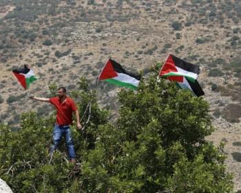 الاحتلال يمنع المواطنين من أداء صلاة الجمعة غرب سلفيت