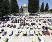 صور|| الآلاف يؤدون صلاة الجمعة في المسجد الأقصى