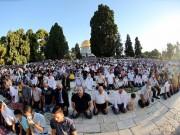 عشرة آلاف مصلٍ أدوا الجمعة في المسجد الأقصى