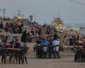 كورنيش غزة.. المتنفس الوحيد لسكان القطاع رغم فرض البلدية ضرائب باهظة
