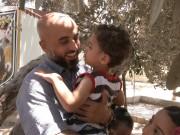 فيديو|| بعد 18 عامًا.. الأسير رامي عنبر يعيش أجواء العيد بين عائلته