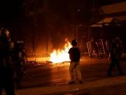 شاهد  أمن السلطة بلباس مدني يطلق النار تجاه كوادر حركة فتح في بلدة الرام بالقدس