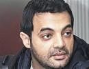 عمرو محمد ياسين يكشف حقيقة خناقته مع عادل إمام ومنع نجلاء فتحي من حضور عزاء والده