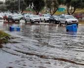 شاهد|| غرق للمنازل ومواقف السيارات والمصاعد جراء الأمطار بالداخل المحتل