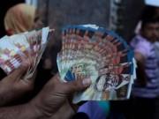 الاحتلال يخصم رواتب الأسرى والشهداء من أموال المقاصة