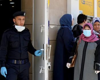 المواطنون يترقبون قرارات لجنة الطوارئ بعد ارتفاع الإصابات بكورونا