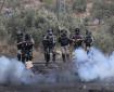 إصابة بعيار إسفنجي والعشرات بالاختناق بعد قمع الاحتلال مسيرة كفر قدوم