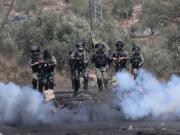 عشرات المصابين بالاختناق خلال قمع الاحتلال مسيرة كفر قدوم الأسبوعية