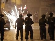 مواجهات بين المواطنين وقوات الاحتلال وسط بلدة حزما شرق القدس المحتلة