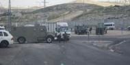 الاحتلال يواصل شق طريق استيطانية غرب الخليل ويغلق الطريق المؤدية إلى البقعة