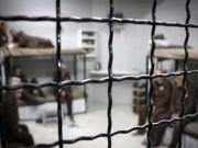 10 أسرى يخوضون معركة الأمعاء الخاوية في سجون الاحتلال