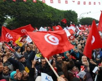 البرلمان يوافق على تعديل وزاري وسط تصاعد الاحتجاجات