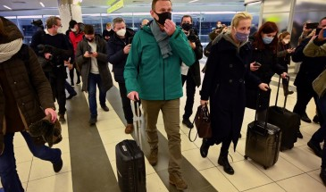 الشرطة الروسية تعتقل المعارض نافالني لدى وصوله إلى موسكو