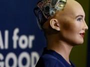 """الشركة المصنعة لـ """"Sophia"""" تخطط لزيادة إنتاج الروبوت مع نهاية العام"""