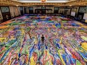 الإمارات تزيح الستار عن أكبر لوحة فنية مرسومة على القماش